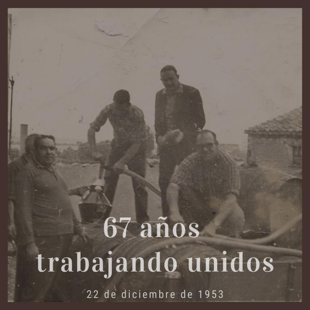 Imagen de algunos socios durante las primeras vendimias de la Bodega Cooperativa El Arca de Noé